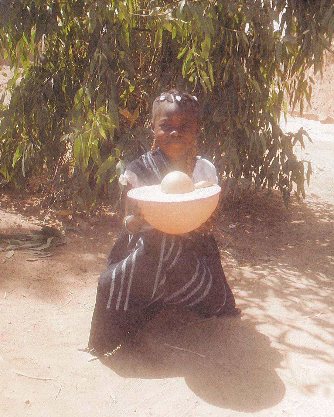Enfant en habit traditionnel